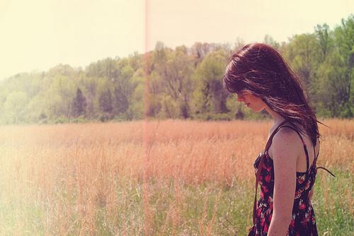 alone-girl-green-hair-nature-Favim.com-119113