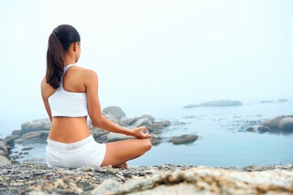 yoga-posture-of-girl-4k-wallpaper-5